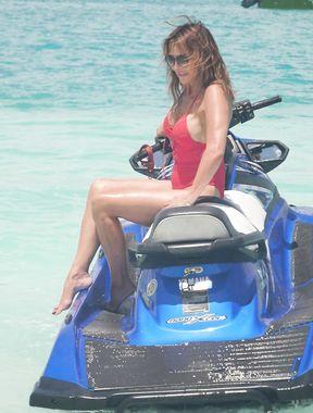 Lizzie Cundy looks incredible in Bikini at a Beach