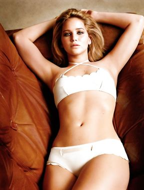 Jennifer Lawrence panties exposed