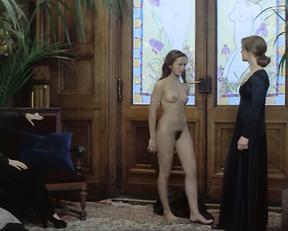 Anicee Alvina, Christine Boisson, Sylvia Kristel, Virginie Vignon - Le jeu avec le feu (1975)