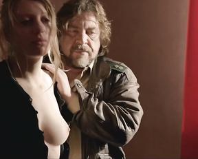 Janina Schauer naked - Tatort e937 (2015)