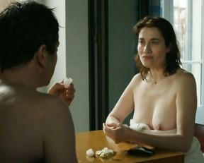 Emmanuelle Devos topless - Arrete ou je continue (2014)