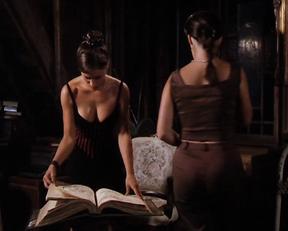 Alyssa Milano sexy – Charmed season 2 (1999)