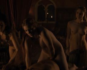 Marina Lawrence-Mahrra, Lucy Aarden, Josephine Gillan - Game of Thrones s08e01 (2019)