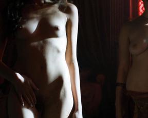 Natalie Dormer, Xena Avramidis, etc – Game of Thrones s05e03 (2015)