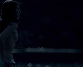 Maria Valverde, Eva Green – Cracks (2009)