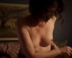 Joanna Going naked – Kingdom s03e03 (2017)
