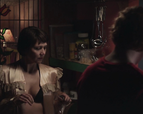 Maggie Gyllenhaal sexy – Frank (2014)