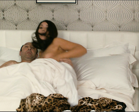 Monica Bellucci – Des gens qui s'embrassent (2013)