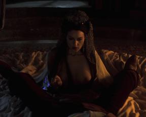 Monica Bellucci – Bram Stoker's Dracula (1992)