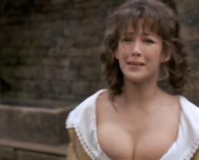 Sophie Marceau topless – La fille de d'Artagnan (1994)