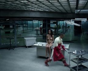 Thandie Newton butt – Westworld s01e06 (2016)