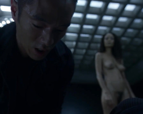 Thandie Newton naked – Westworld s01e08 (2016)