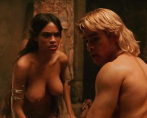 Rosario Dawson topless – Alexander (2004)