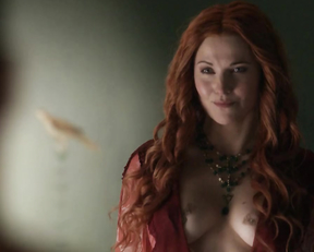 Lucy Lawless, Jaime Murray – Spartacus. Gods of the Arena s01e03 (2011)