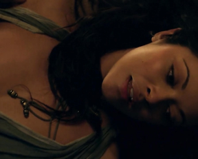 Marisa Ramirez – Spartacus. Gods of the Arena s01e04 (2011)