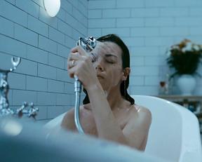 Justine Waddell, Nina Loshchinina, etc – The Target (2011)