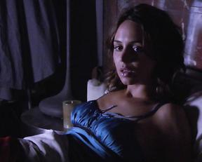 Eliza Dushku – Sex and Breakfast (2007)