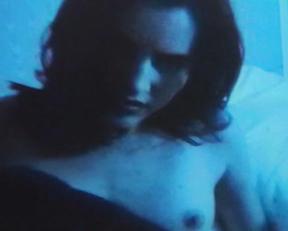 Elizabeth Hurley, Louise Delamere – Shameless (1995)