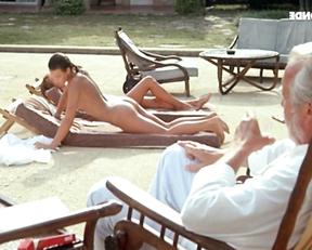 Valerie Kaprisky, Barbara Nielsen, Betty Assenza., Charlotte Kady, Caroline Cellier – L'annee des meduses (1984)