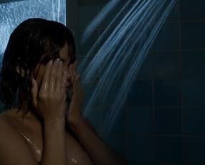 Rihanna topless – Bates Motel s05e06 (2017)