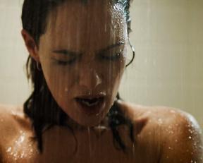 Lena Headey naked – Zipper (2015)