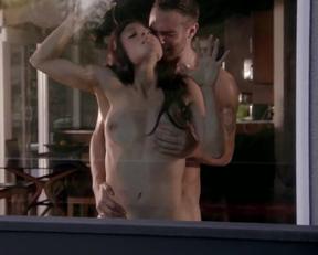 Leah Gibson sex scene - Rogue S01e03