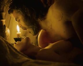 Florence Pugh nude - Outlaw King