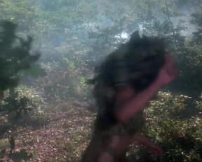 """I Don't Ragret Seeing Julia Louis-Dreyfus Half Naked In """"Troll"""" - Film nackt"""