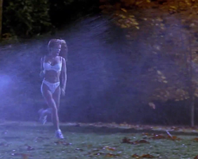 Carmen Electra In Scary Movie - Film nackt