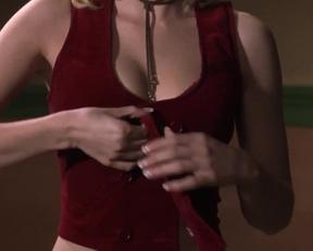 Elisha Cuthbert's 'Girl Next Door' Plot - Film nackt