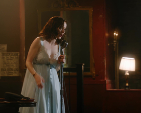 Rachel Brosnahan In 'The Marvelous Mrs. Maisel' - Film nackt