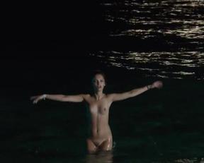 Lola Le Lenn - One Wild Moment - Film nackt