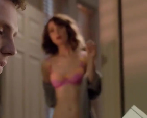 Rose Byrne In 'I Give It A Year' - Film nackt