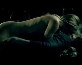 Tara Radcliffe In Femme Fatales - Film nackt
