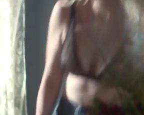 Kirsten Dunst - Woodshock - Film nackt