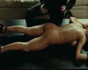 Elsa Pataky Bondage Plot - Film nackt