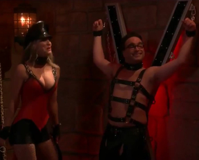 Kaley Cuoco As S Dominatrix In The Big Bang Theory - Film nackt