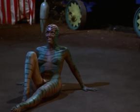 Serena Weber Painted Plot In Vampire Circus - Film nackt