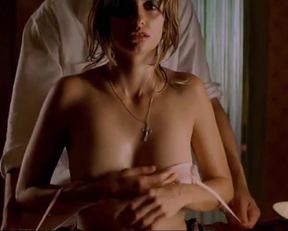 Penelope Cruz Topless In 'Don't Move' - Film nackt