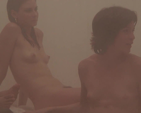 Young Mariel Hemingway And Friends Sauna Plot From Personal Best - Film nackt