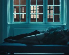 Marie Bach Hansen sex scene - En flirt (2019)
