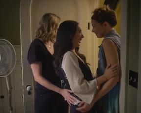 Rachel Paulson, Julia Eringer, Kari Alison Hodge - Good Kisser (2019)