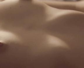 Angela Vazquez nude - Un inocente relato (2019)