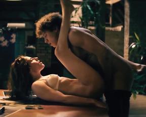 Antje Traue nude - Konig der Raben (2020)