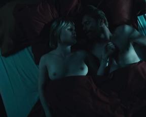 Emilie Blaser, Isabelle Caillat nude - Cellule de crise s01e04e06 (2020)