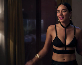 Esmeralda Pimentel naked - You've Got This (Ahi te Encargo) (2020)
