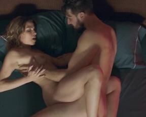 Natalia Tena, Bella Camero - Sangre (2020)