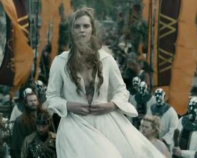 Ragga Ragnars nude - Vikings s06e15 (2020)