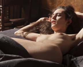 Ella Rumpf naked - Freud s01e04-05 (2020)
