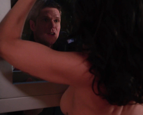 Lisa Edelstein – Girlfriends' Guide to Divorce s01e03 (2014)